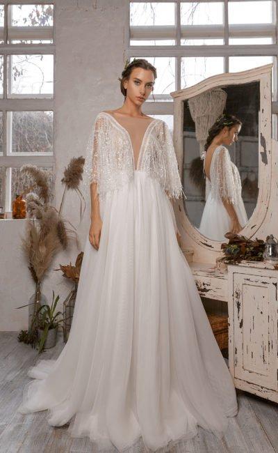 Свадебное платье с декором из бахромы