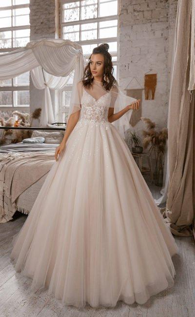 Торжественное пышное платье