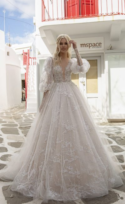 Свадебное платье со съемными длинными рукавами