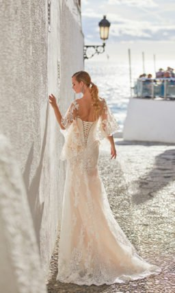 Красивое платье рыбка с накидкой