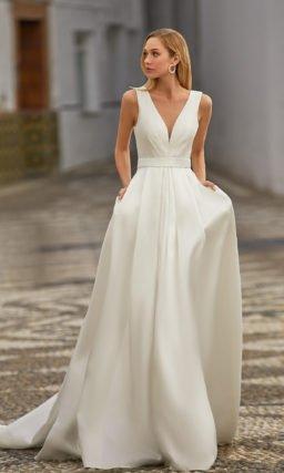Свадебное платье из матового атласа