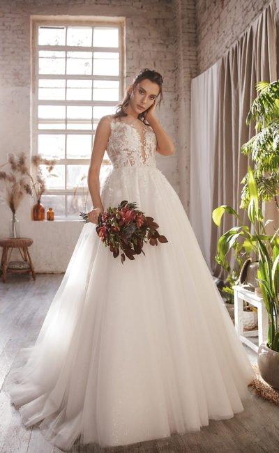 Cвадебное платье c ажурным декором