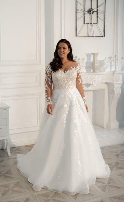 Свадебное платье в молочном оттенке
