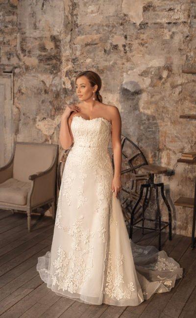 Свадебное платье дополненное блузой