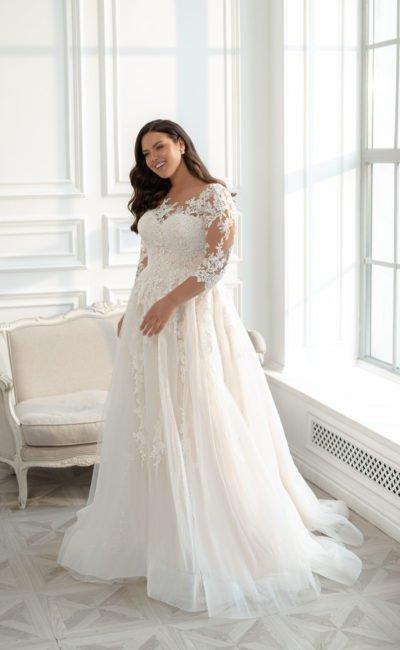 Свадебное большое платье с пышной юбкой