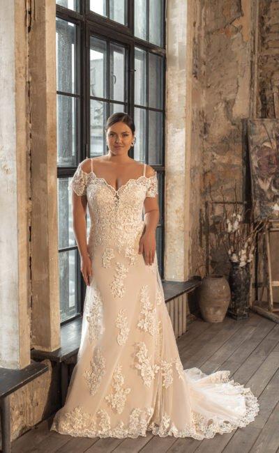 Свадебное платье plus size с короткими рукавами