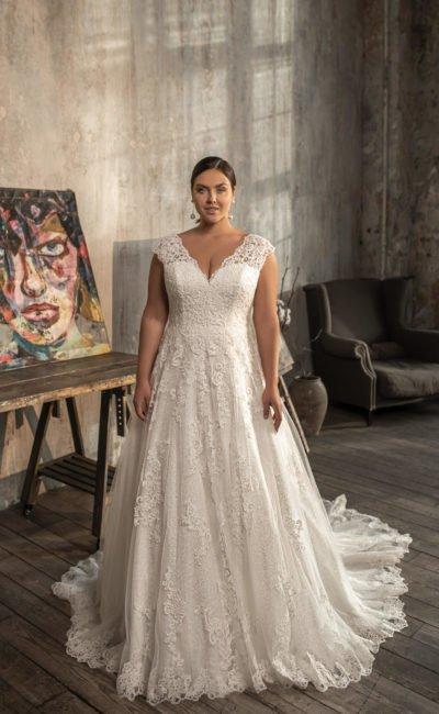 Свадебное большое платье А-силуэта