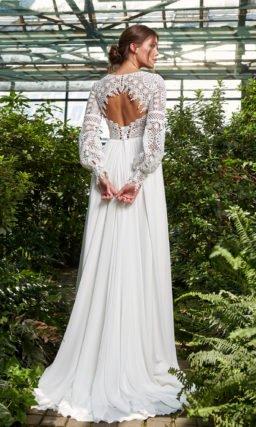 Свадебное прямое платье в стиле этно