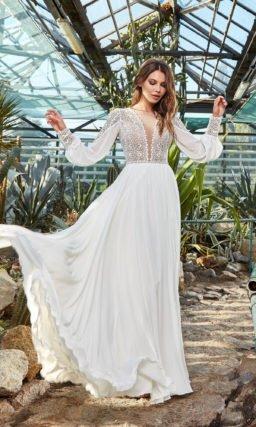 Платье с необычным рукавом