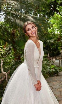 Платье с длинным рукавом свадебное