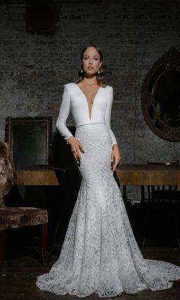 Свадебное платье со смелым вырезом