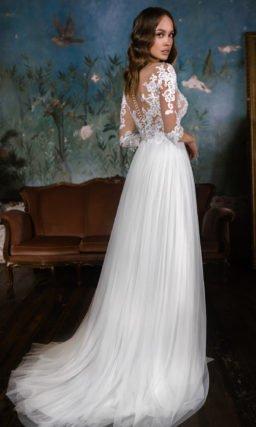Свадебное платье с цветочными кружевными аппликациями