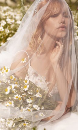 Cвадебное платье с пикантным декольте