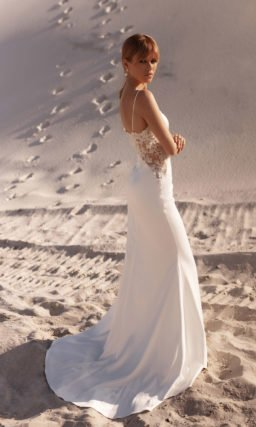 Cвадебное платье со шлейфом