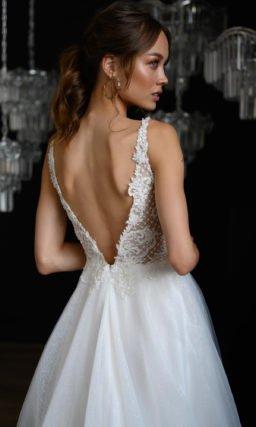 Свадебное платье с лифом на бретелях