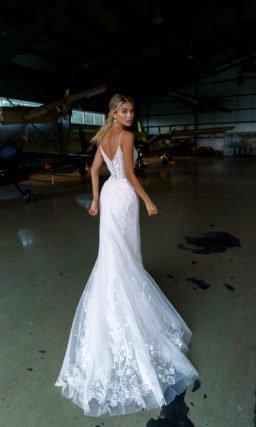 платье «русалка» с кружевной отделкой