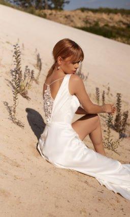 Простое прямое свадебное платье