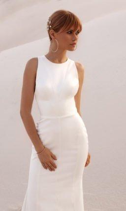 Строгое прямое свадебное платье