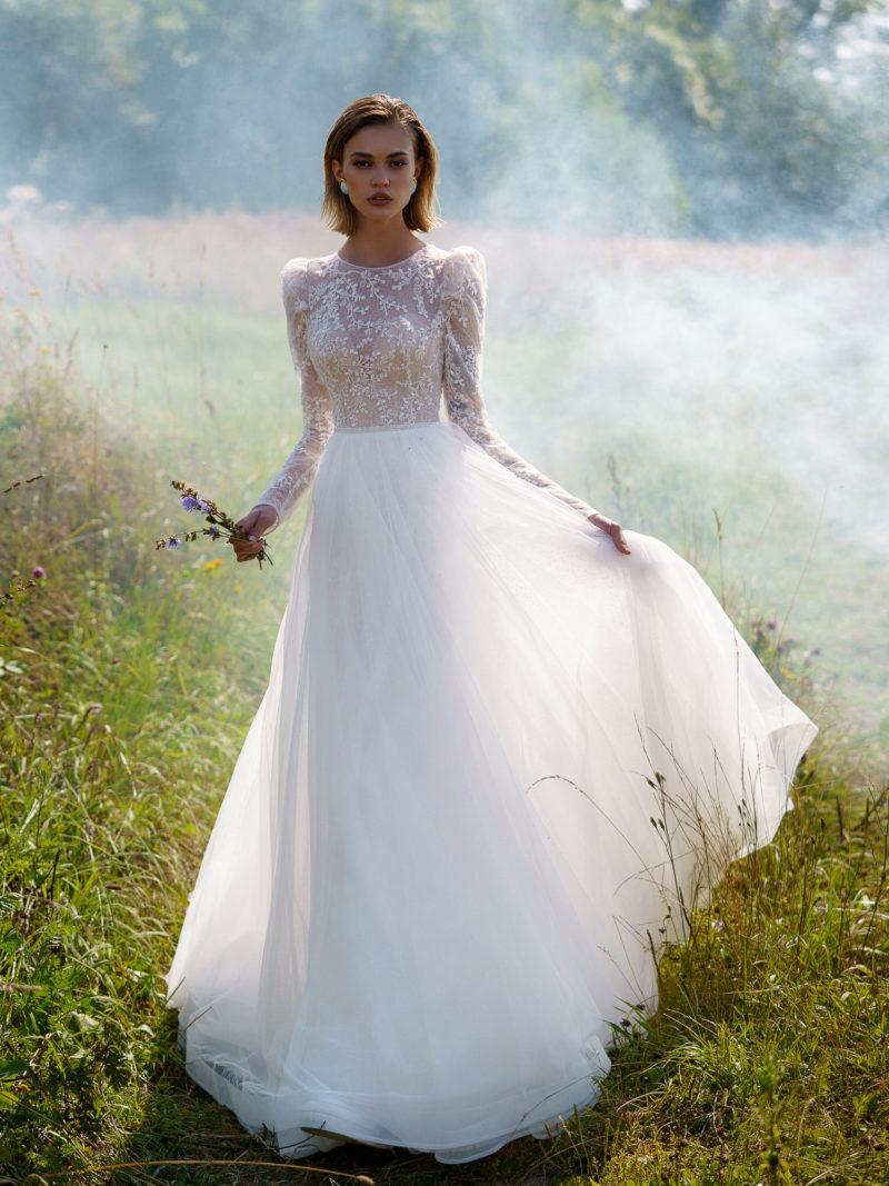 Платье с кружевным верхом