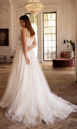 Свадебное платье с корсетным лифом