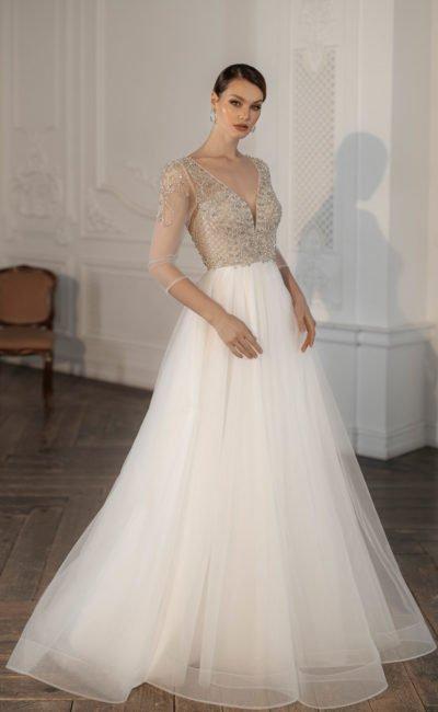 Свадебное платье с бежевым лифом