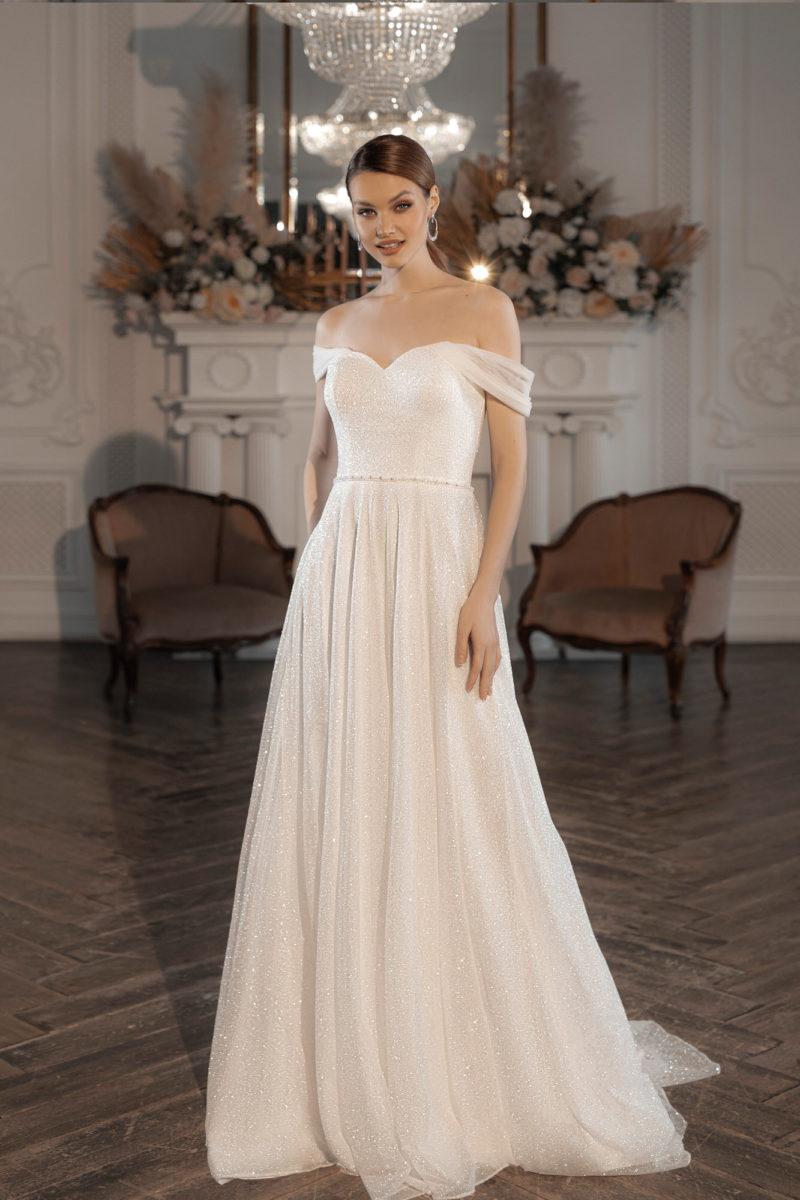 Свадебное платье с многослойной расклешенной юбкой