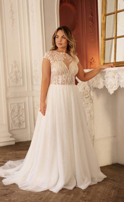 Свадебное платье с вышивкой