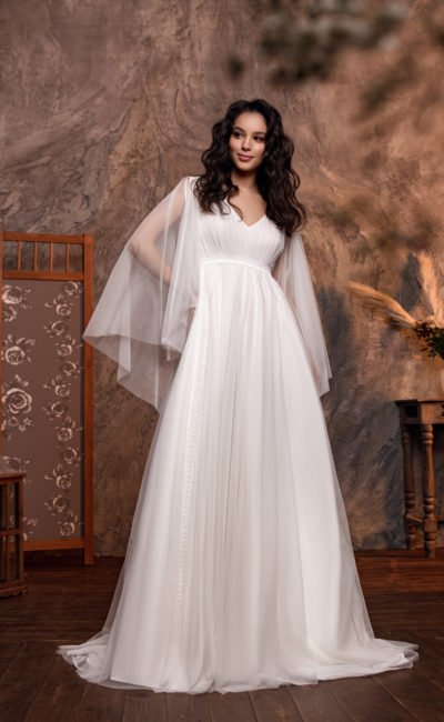 Свадебное платье с кружевной тесьмой на талии