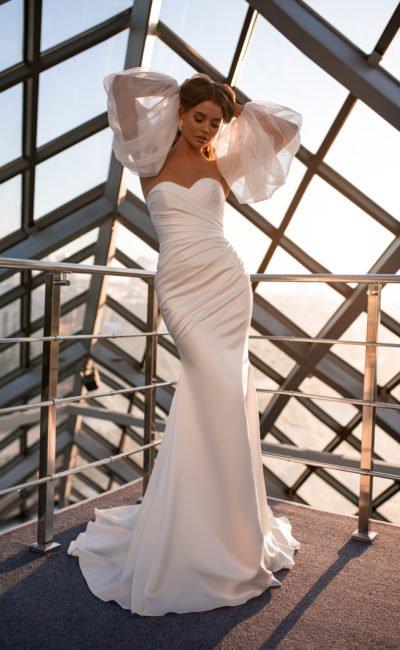 Платье рыбка с воздушными рукавами