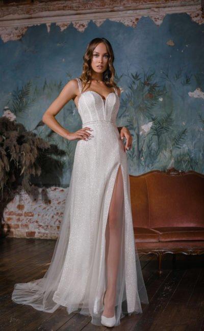 Свадебное платье с прямой юбкой