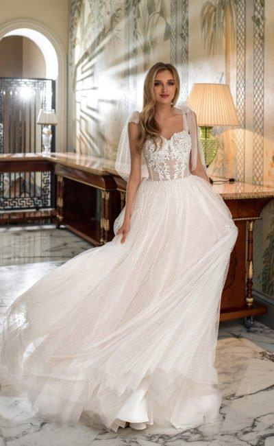 Романтичное свадебное платье в горошек