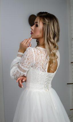 сдержанное свадебное платье с длинными рукавами