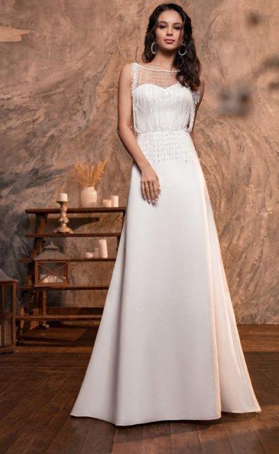 Свадебное платье с элегантным круглым шлейфом