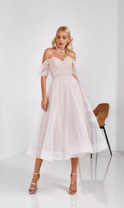 Короткое стильное платье