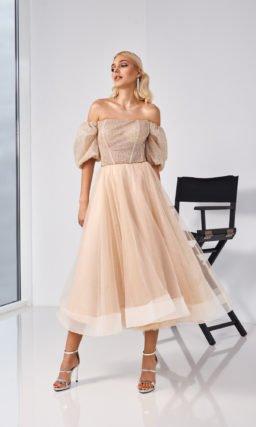 Бежевое красивое свадебное платье