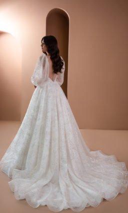 Платье с широким рукавом свадебное