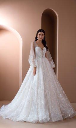 Свадебное платье декорированное вышивкой