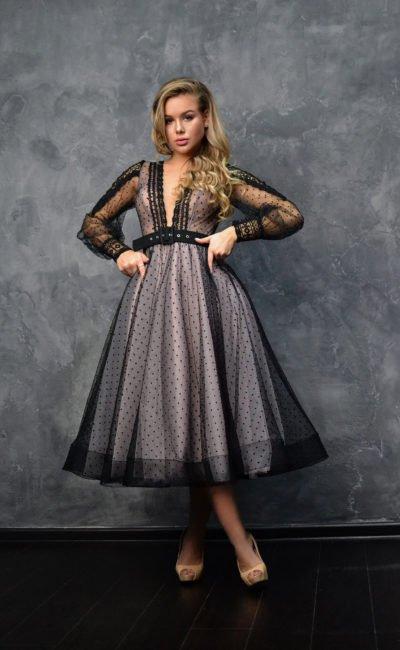 Вечернее платье с пышной юбкой длины миди