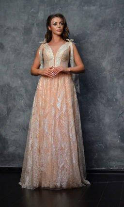 Вечернее платье золотисто-персикового оттенка