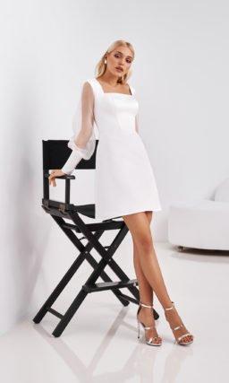 Короткое простое белое платье