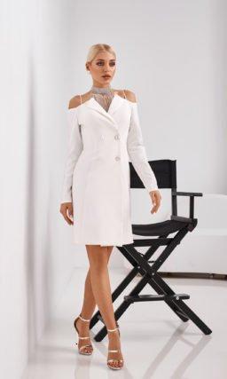 Короткое белое необычное платье