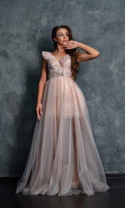 Вечернее платье в нежно-розовом оттенке