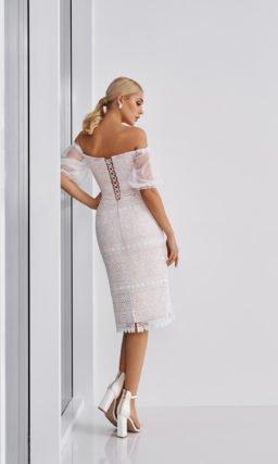 Короткое узкое платье