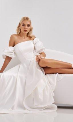 Белое платье с рукавами фонариком