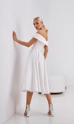 Современное короткое свадебное платье
