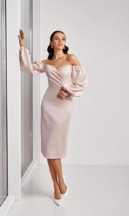 Нежно-розовое короткое платье свадебное