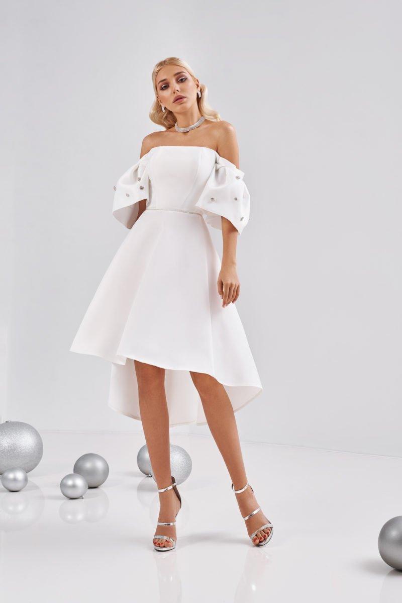 Свадебное платье с юбкой асимметричной длины