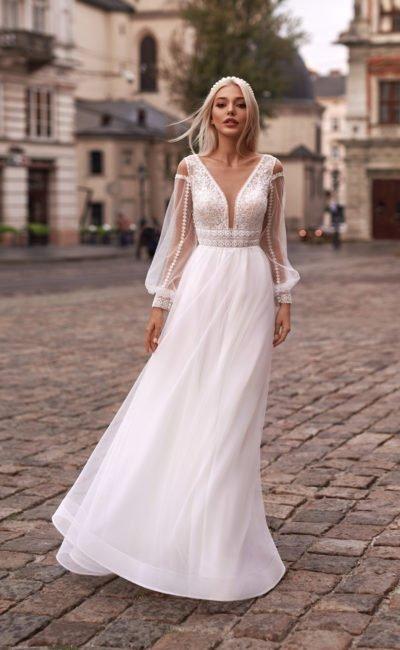 Свадебное платье с ажурным верхом