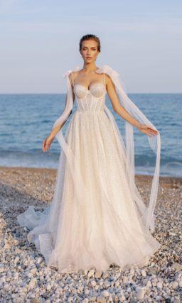 платье с приталенным силуэтом