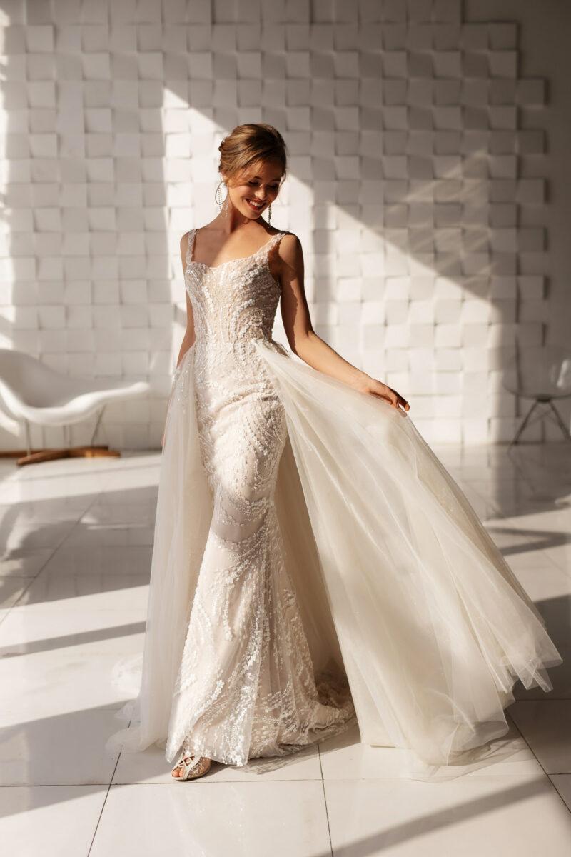 Платье рыбка со шлейфом